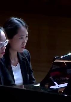 """Song tấu piano của hai tài năng trẻ Việt Nam - Hàn Quốc: """"Hai tâm hồn, một bản nhạc"""""""