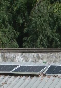 Dự án Năng lượng xanh đưa ánh sáng đèn LED lên núi Cấm