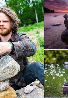 """Chàng """"phù thủy"""" xếp những viên đá thành tác phẩm nghệ thuật siêu độc"""