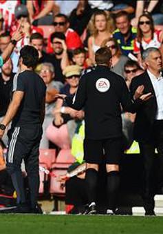 Mourinho tiết lộ lý do bị đuổi khỏi sân trong trận Man Utd - Southampton
