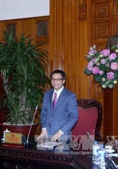 Phó Thủ tướng Vũ Đức Đam gặp mặt các thầy thuốc nhân Ngày Thầy thuốc Việt Nam