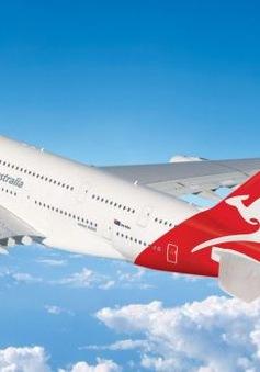 Máy bay chở hàng trăm hành khách từ Mỹ tới Australia bị hỏng động cơ