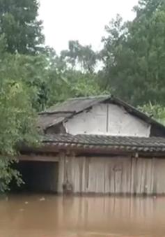 Một số khu vực tại Quảng Ninh vẫn bị nước lũ chia cắt