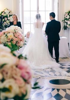 Cô dâu bàng hoàng khi đám cưới bạc tỷ bị phá hỏng bởi phù rể