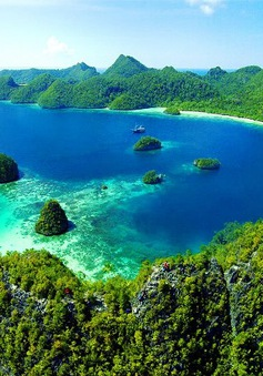 Mặt tối của điểm du lịch hấp dẫn Raja Ampat, Indonesia
