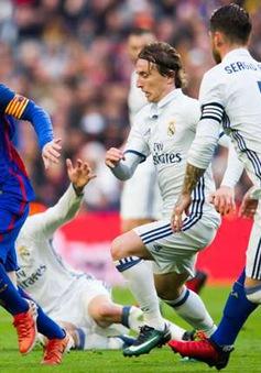 """Đội hình đá Siêu kinh điển Real - Barca: 3 tiền đạo """"hết mốt"""""""