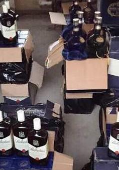 Phát hiện hơn 130 chai rượu ngoại không rõ nguồn gốc
