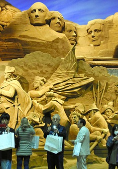 Triển lãm nghệ thuật từ cát chủ đề nước Mỹ tại Nhật Bản