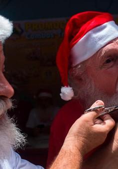 Tập tục cắt râu của các ông già Noel