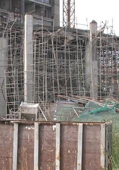 Giàn giáo công trình ở Đà Nẵng bị sập khi vừa đổ bê tông xong