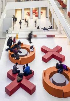 """Ngôi trường ở Canada có không gian lấy cảm hứng từ trò chơi """"X-O"""""""