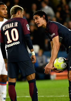 """Neymar tranh penalty với đồng đội, HLV PSG hứa """"không bênh"""""""