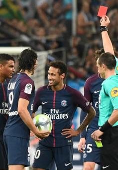 """Neymar nhận thẻ đỏ """"lịch sử"""" trong màu áo PSG"""