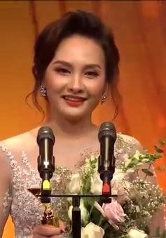 Bảo Thanh gửi lời cảm ơn đặc biệt tới chồng khi nhận cup VTV Awards 2017