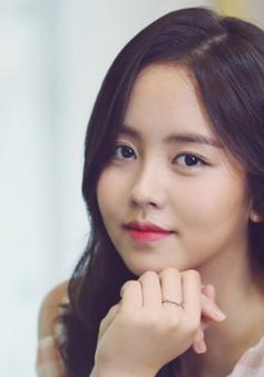 """Chỉ bằng những hành động nhỏ này, Yoo Seung Ho đã khiến Kim So Hyun """"đổ gục"""""""