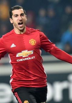 "Huyền thoại Man Utd ủng hộ Mourinho ""trảm"" Mkhitaryan"