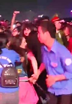 Sự kiện Giờ Trái Đất ở Hưng Yên gặp rắc rối vì đám đông hỗn loạn