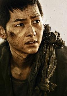 """Ngắm hình ảnh phủi bụi """"chất lừ"""" của Song Joong Ki trong phim mới"""