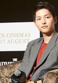 Song Joong Ki cật lực giảm cân vì Battleship Island