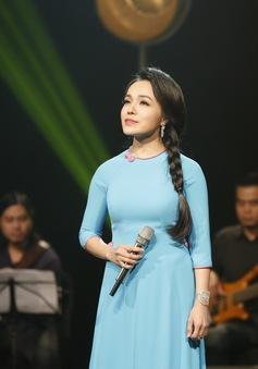 Ca sĩ Lan Anh sâu lắng trong Nghệ sỹ tháng