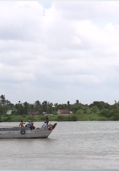 Tai nạn ghe chở cát ở Bình Dương: Tìm kiếm nạn nhân xuyên đêm