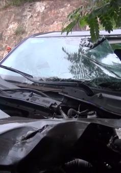 Bình Định: Tai nạn giữa xe container và ô tô, 1 người tử vong tại chỗ