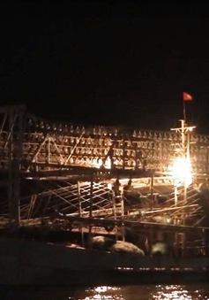 Tàu cá Thanh Hóa mất liên lạc khi tránh bão số 10 đã vào bờ an toàn