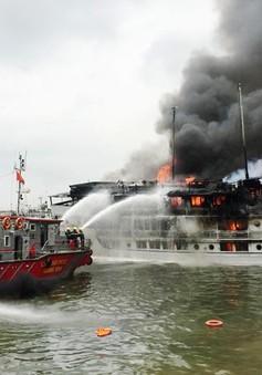 Quảng Ninh bàn giải pháp phòng cháy tàu du lịch