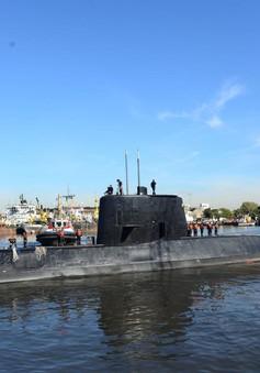 Tìm kiếm tàu ngầm mất tích gặp khó khăn do thời tiết