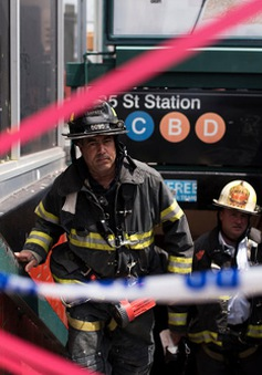 Mỹ: Tàu điện ngầm chệch đường ray, 34 người bị thương