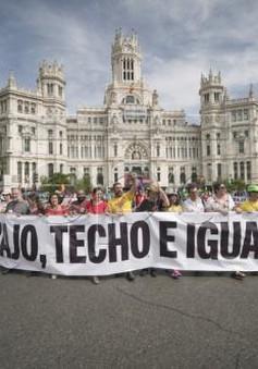 Hàng chục nghìn người Tây Ban Nha tuần hành đòi tăng lương, đảm bảo việc làm