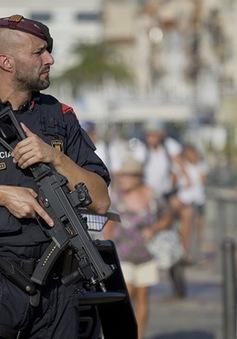 Châu Âu siết chặt an ninh sau các vụ tấn công liên tiếp tại Tây Ban Nha và Phần Lan