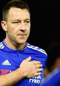 """Chung tình """"vô đối"""" với Chelsea, Terry nghiêm túc nghĩ tới việc treo giày"""