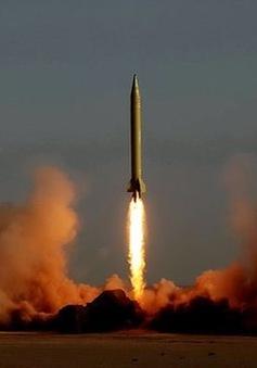 Iran phóng tên lửa đạn đạo thế hệ mới