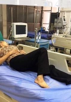 Uống nhầm nước giải nhiệt ô tô, 4 bà cháu nhập viện cấp cứu