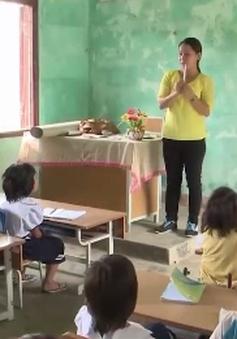Dạy tiếng Việt cho học sinh vùng cao Quảng Ngãi dịp hè