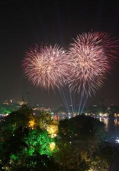 Ngừng bắn pháo hoa đêm Giao thừa, nhiều người dân Thủ đô ủng hộ