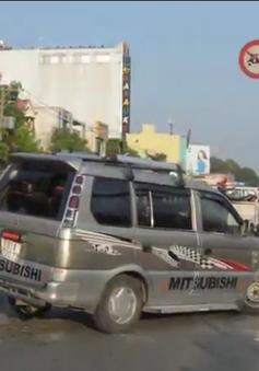 TP.HCM: Xe hơi tông hàng loạt xe máy, 3 người bị thương