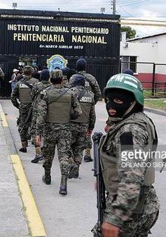 Hàng chục tên tội phạm nguy hiểm vượt ngục tại Honduras