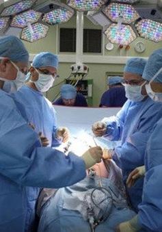 Cứu sống bệnh nhân 14 tuổi bị tổn thương não nghiêm trọng