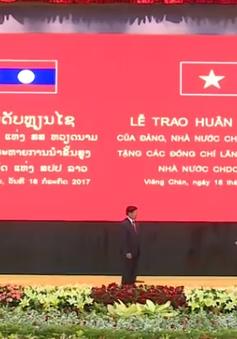 Lễ trao Huân chương cho các đồng chí lãnh đạo Lào