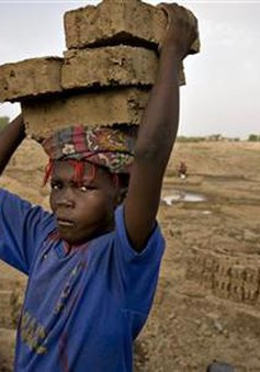 Lao động trẻ em - Góc tối của xung đột và thảm họa