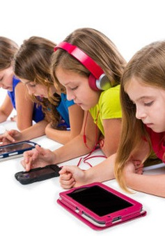 Trẻ sử dụng thiết bị điện tử nhiều giờ dễ mắc bệnh tiểu đường