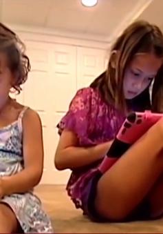 """Trẻ em Mỹ """"nghiện"""" thiết bị truyền thông"""