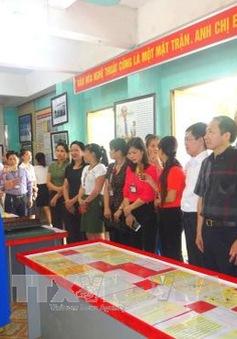 """Triển lãm """"Hoàng Sa, Trường Sa của Việt Nam"""" đến với đồng bào dân tộc thiểu số tỉnh Hà Giang"""