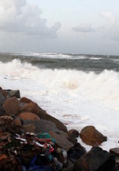 Triều cường uy hiếp vùng ven biển Phú Yên