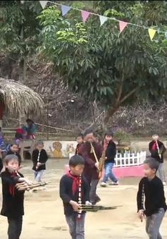 Trường học đa văn hóa gắn với cộng đồng