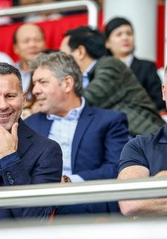 Giggs và Scholes đánh giá cao U15 PVF sau thắng lợi trước U15 Stoke City