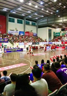 ẢNH: Thang Long Warriors lần thứ ba chiến thắng tại trận derby bóng rổ Thủ đô