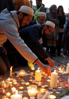 Xúc động lễ tưởng niệm các nạn nhân thiệt mạng trong vụ đánh bom tại Manchester